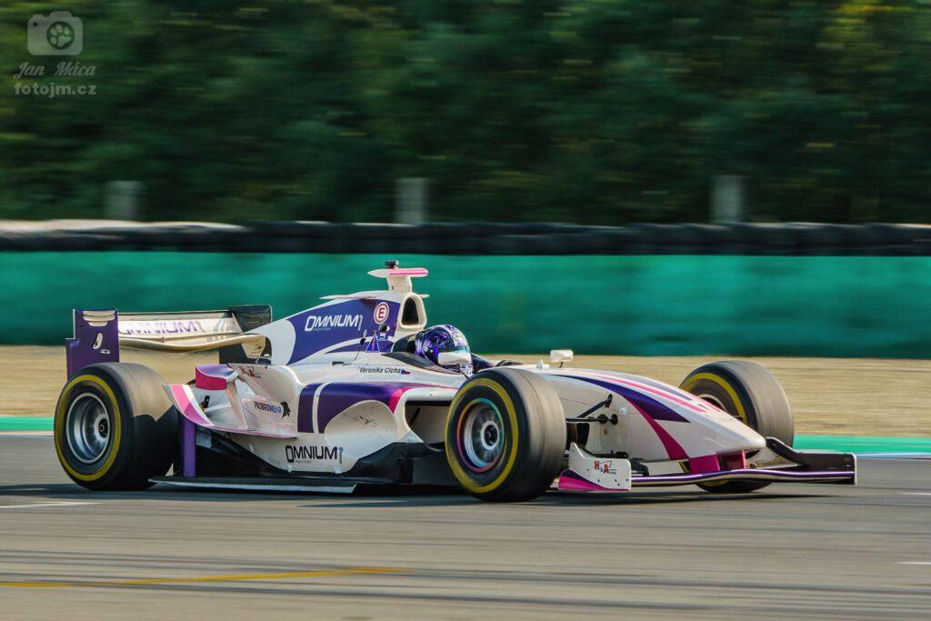 Veronika Cicha - Dallara - GP2