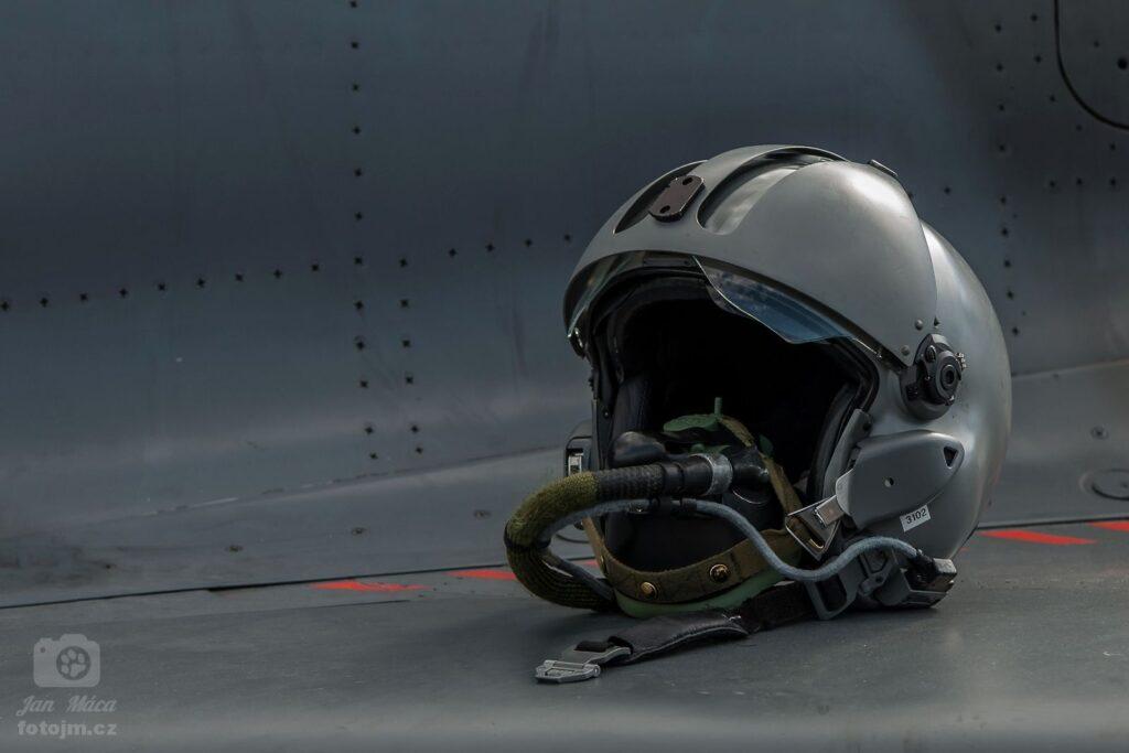 Zátiší na křídle Boeing B-52 Stratofortress